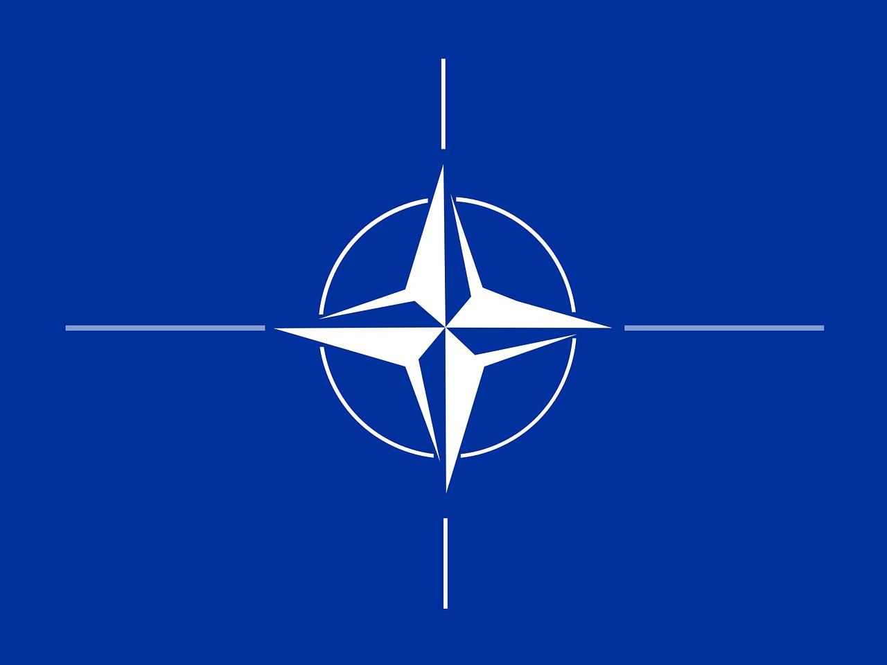 Nato Flag Compass Rose Emblem Blue  - Clker-Free-Vector-Images / Pixabay