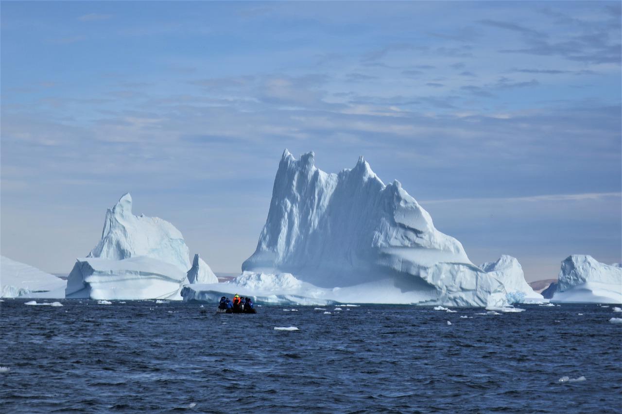Iceberg Blue Sea Cold Greenland  - highflyer100 / Pixabay